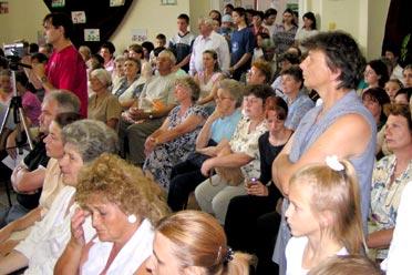 Olyan sokan összegyűltünk a teremben, hogy már állóhely is alig maradt (Fotó: Képessy Bence)