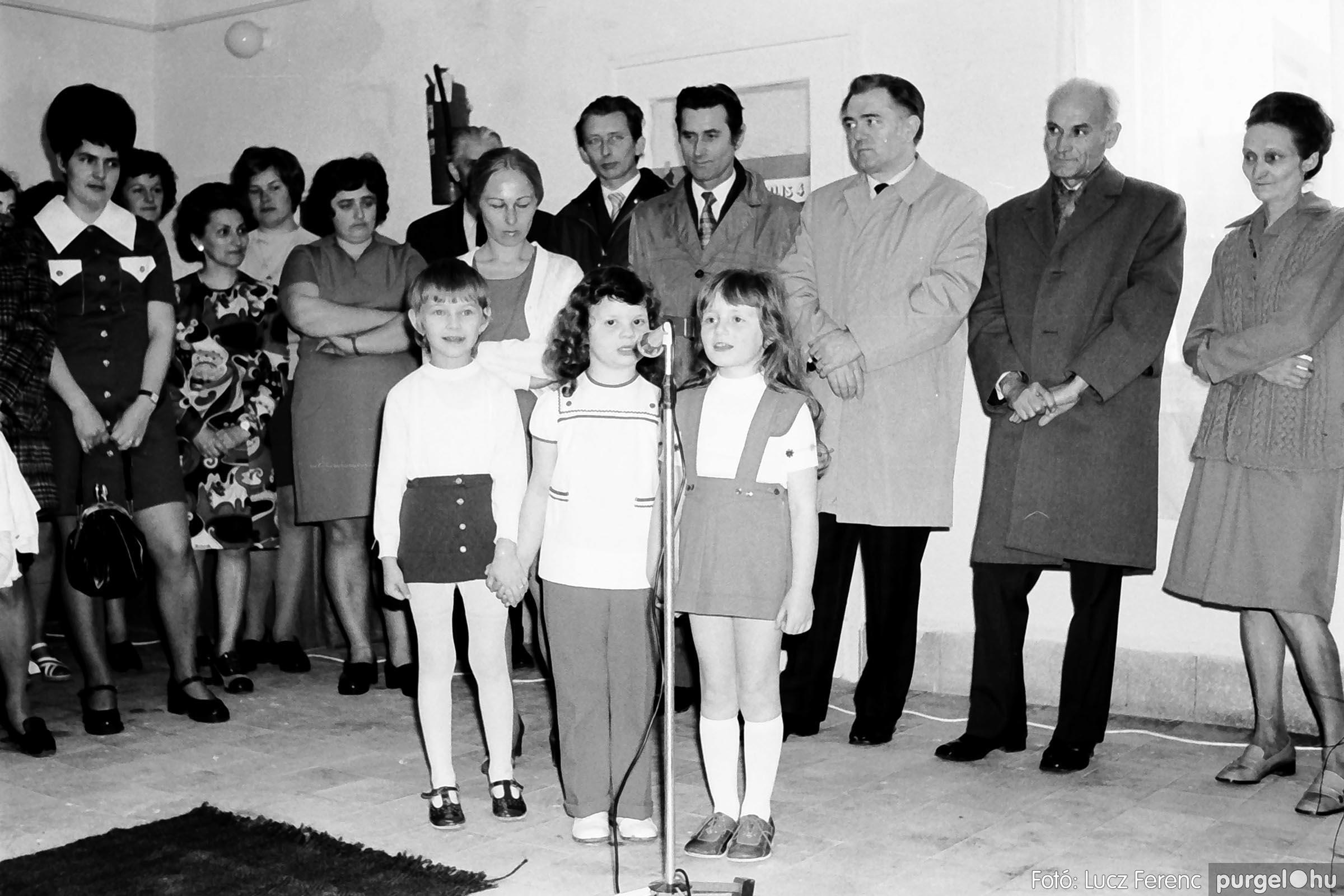 009 1975.04. Óvoda bővítés utáni átadási ünnepség 004 –